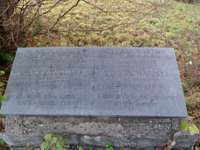 Wartski Fields memorial, Bangor