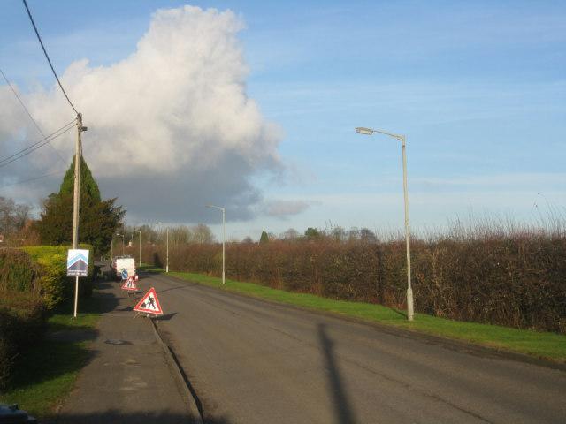 Fox Lane (road narrows)