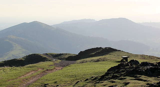 The ridge path south from Worcestershire Beacon