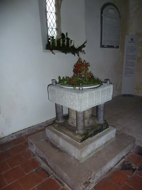 Saint Peter ad Vincula, Colemore- Christmas decorations (i)