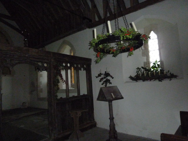 Saint Peter ad Vincula, Colemore- Christmas decorations (iv)