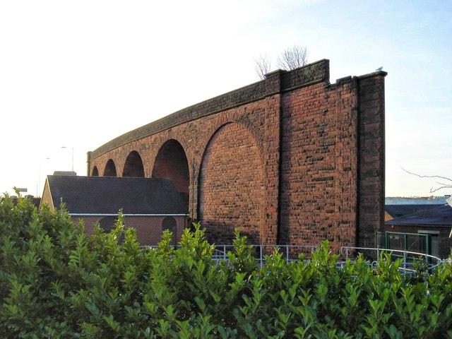Railway viaduct, Queen Alexandra Bridge