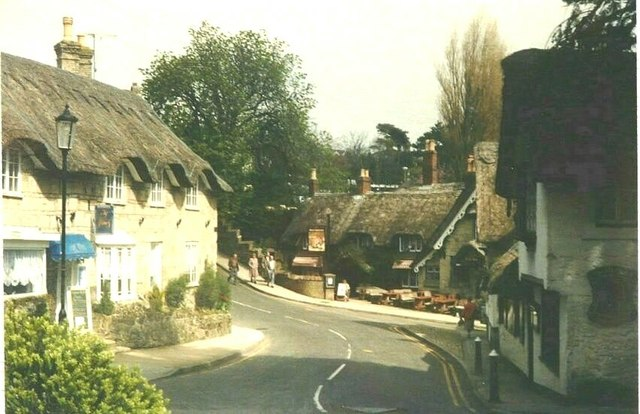 The A3055 passing through Old Shanklin in 1988