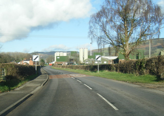 B5429 approaching the creamery
