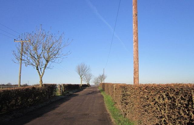 Mill Lane towards Tong Lane