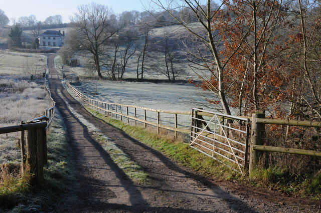 Drive to Pont-yr-ychain Farm