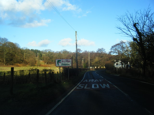 Flintshire boundary sign on the A541