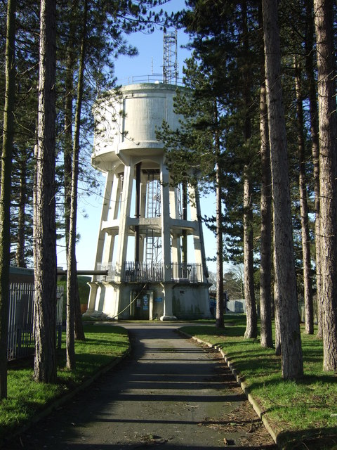 Water tower, Tinshill