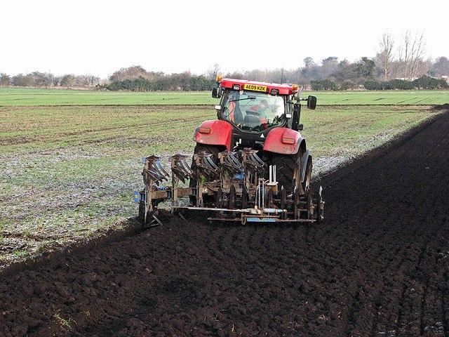 Winter ploughing near Waterbeach