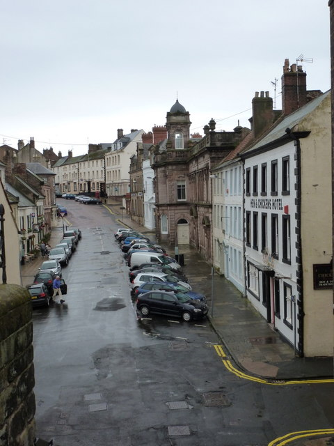 Berwick-upon-Tweed: Hide Hill from Quay Walls