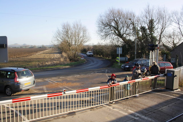 Rail enthusiasts at Appleford level crossing