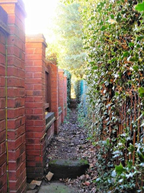 Narrow footpath near Shenstone Court