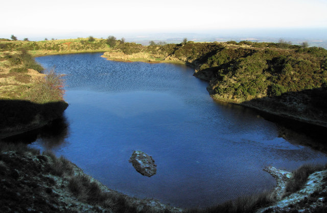A very cold pond on Abdon Burf