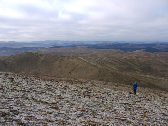 Descending the NW slopes of Hart Fell