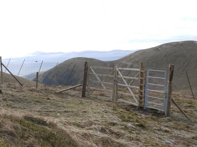 Deer fencing on Hartfell Shoulder