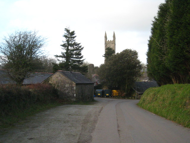 The road into Lanlivery from the south