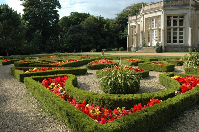 Gardens - Highcliffe Castle