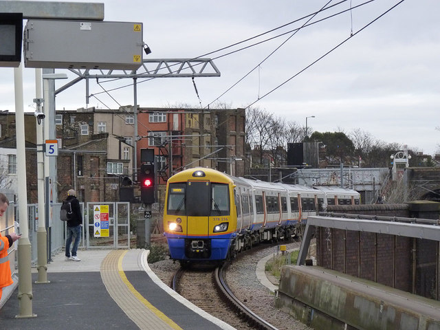 Entering Willesden Junction