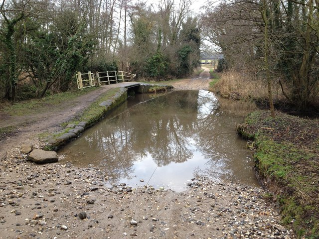 Ford on road north from South Acre