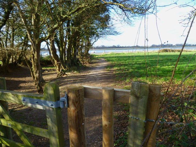 Footpath from Apuldram to Fishbourne Channel