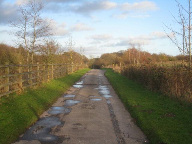 Access road / Wayfarer's Walk