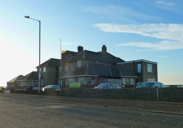Golf clubhouse, Princes Way