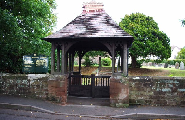 St. Cuthbert's Church (2) - lychgate, Rectory Road, Donington