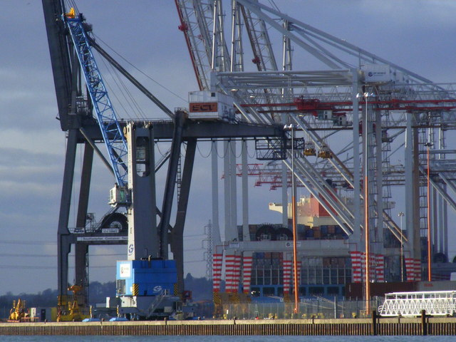 Southampton Container Port Heavy Lift Cranes
