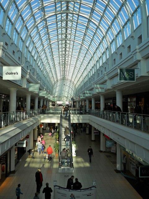 Leamington-Royal Priors Shopping Centre