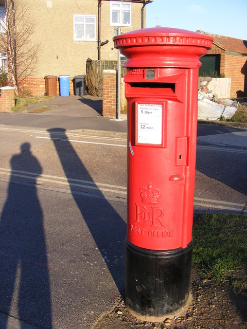 128 Heath Road Postbox