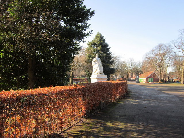 Queen Victoria's Statue in Pearson's Park