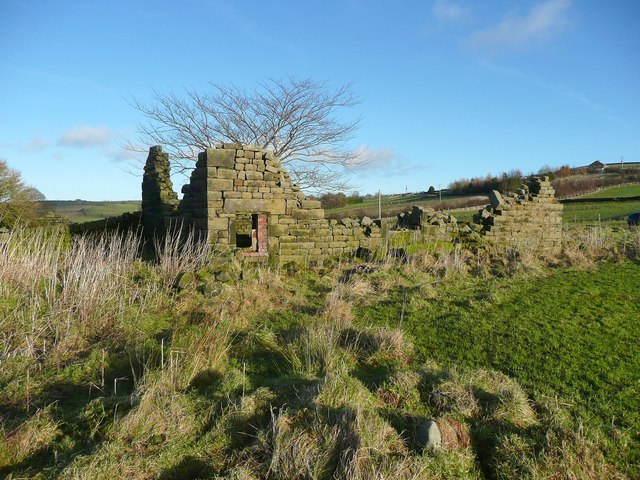 Ruined barn at Deacon Hill