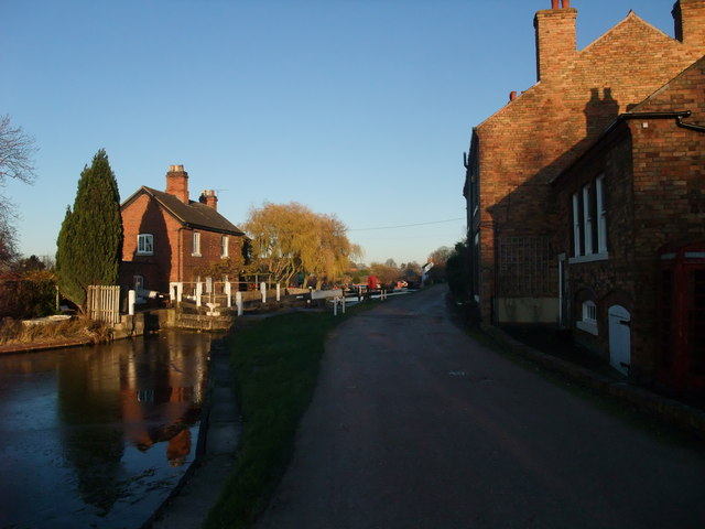 Shardlow lock on a winter afternoon