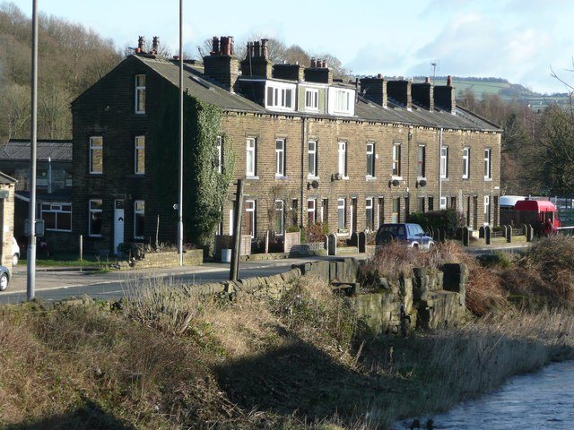 Calder Terrace and remains of sluice, Burnley Road, Mytholmroyd