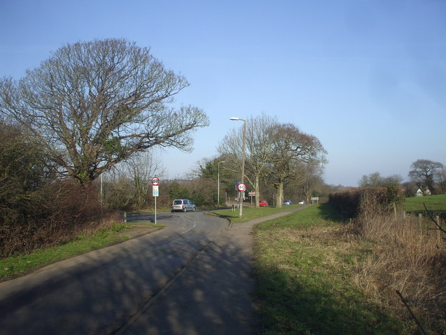 The road from Swanbridge joins the B4267