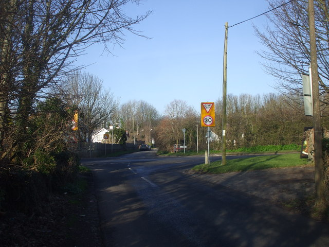 Junction of Beach Rd and Lavernock Rd, Sully