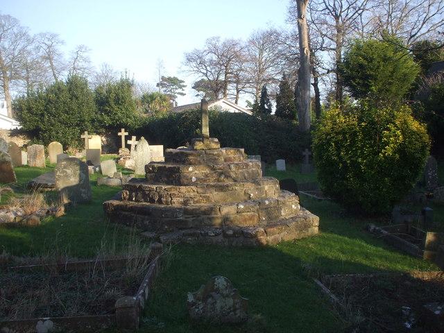 Churchyard cross, Sully