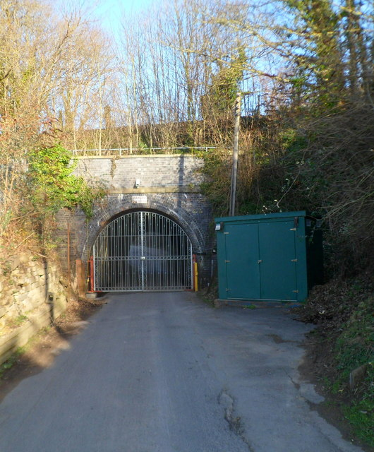 Locked gates at tunnel portal on the road to The Old Brickworks, Ebley