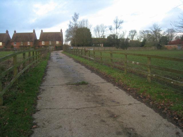Wayfarer's Walk near Manor Farm