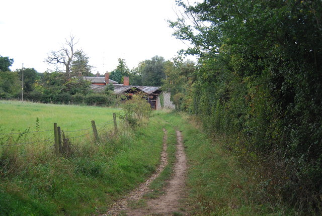 Footpath to Rise Hall Farm