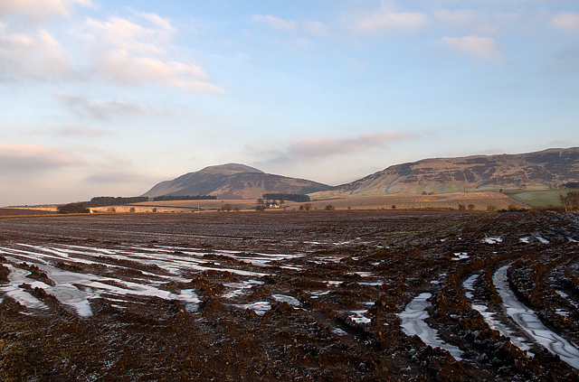 Farmland near Muirs of Kinnesswood