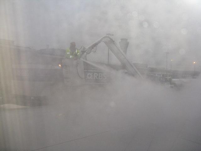 Anti-icing treatment at Edinburgh Airport