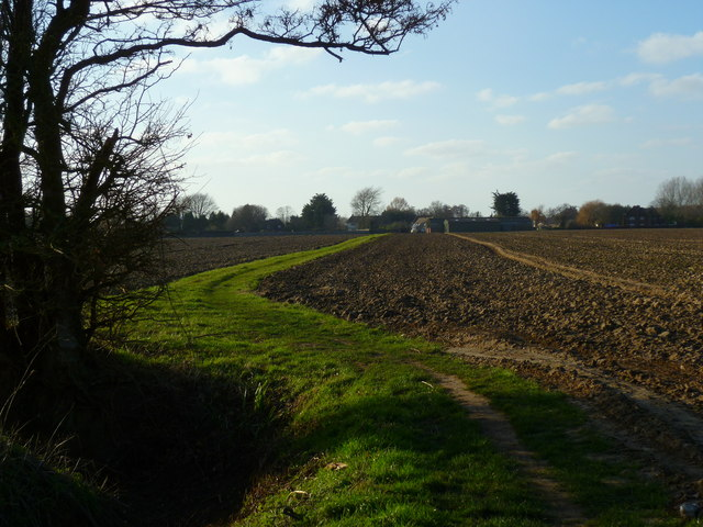 Footpath to Oldhouse Farm
