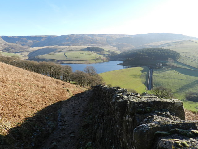 Kinder Scout, Reservoir, lodge and dry stone walls