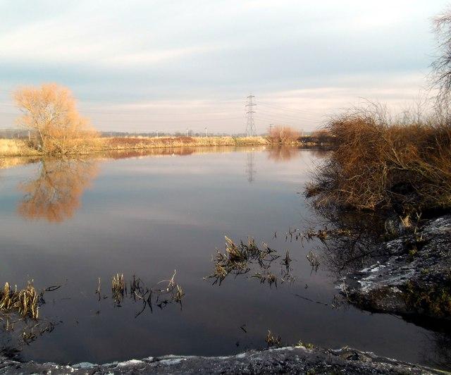 Knottingley weir Fishing pond