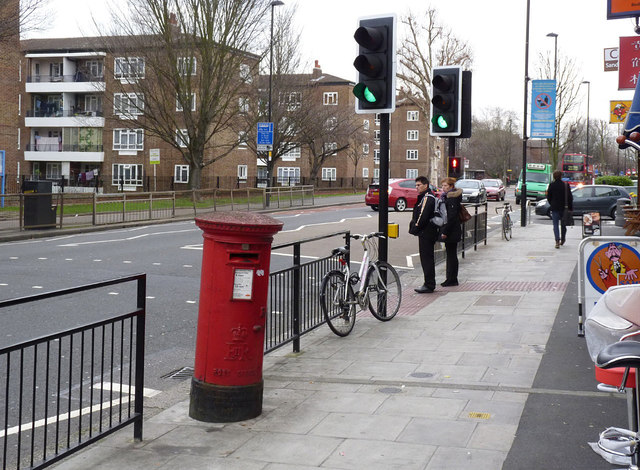 Post Office | 125/127 The Vale, W3 postbox (ref. W3 9)