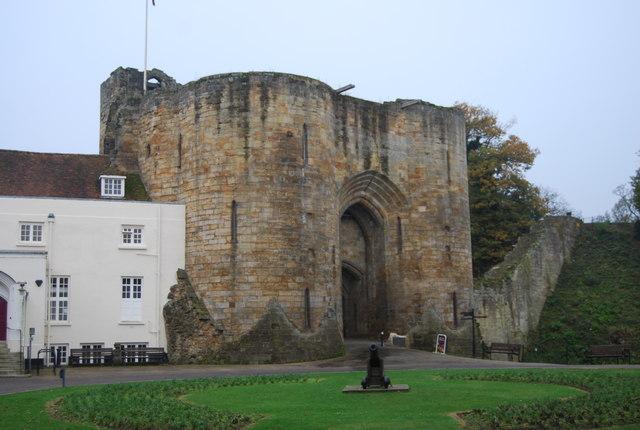 Tonbridge Castle Gatehouse