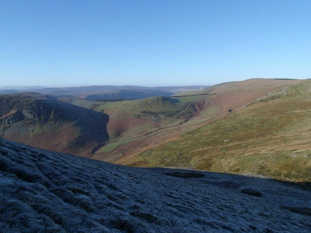 Looking into Nant  Ddial from Glan-Hafon