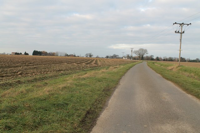 Washdyke Road with ploughed field