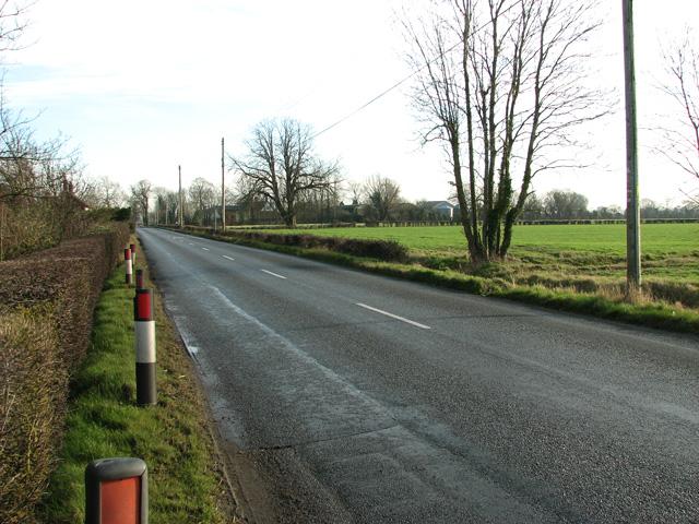 B1117 road through Ashfield Green